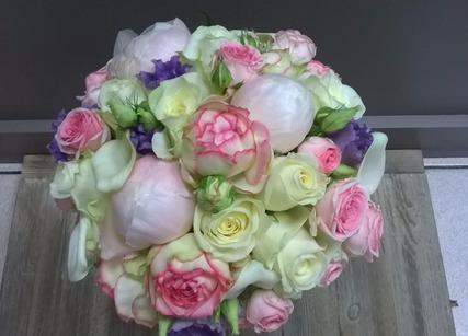 Orchidées pour décoration de table mariage