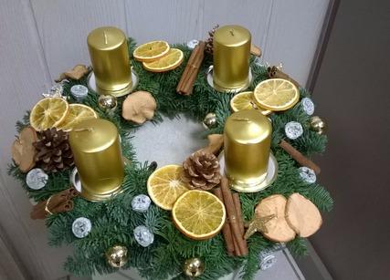 couronne avec bougies de Noël